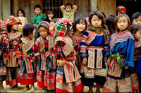 Muong Hum Market: colorful Sunday hilltribe market Sapa